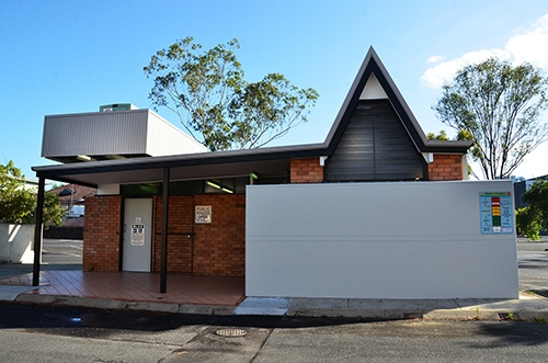 Clyde Campbell Carpark toilets get  pre-Christmas makeover