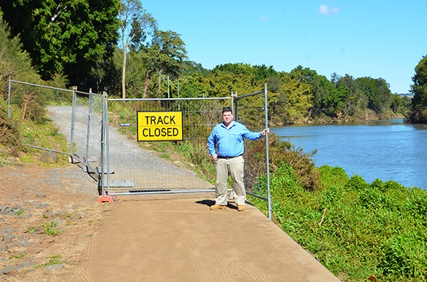 Residents warned to steer clear of CBD riverbank path